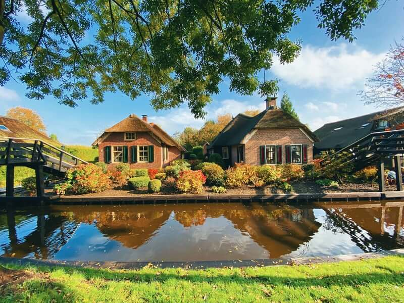From Amsterdam to Giethoorn: Pack your bags and enjoy the ride